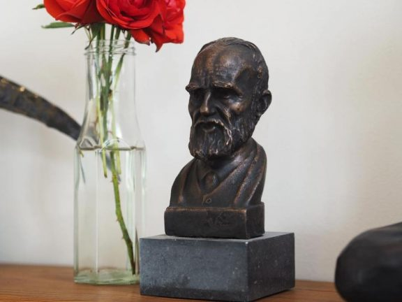 Oscar Wilde Miniature Bust - James Connolly