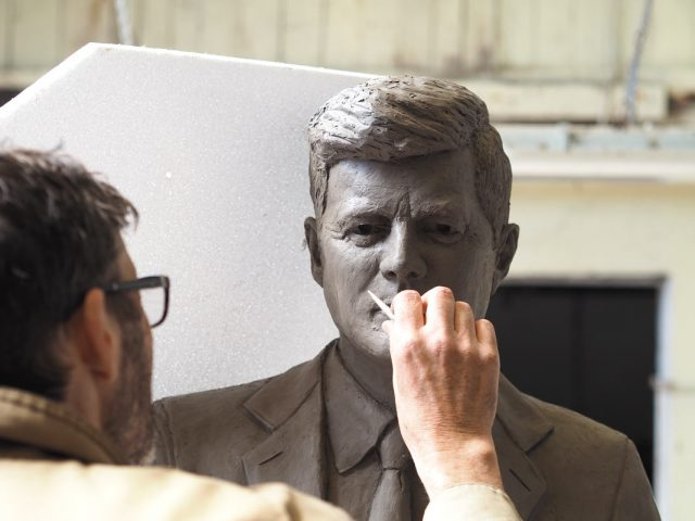 Seamus Connolly sculpting the JFK statue